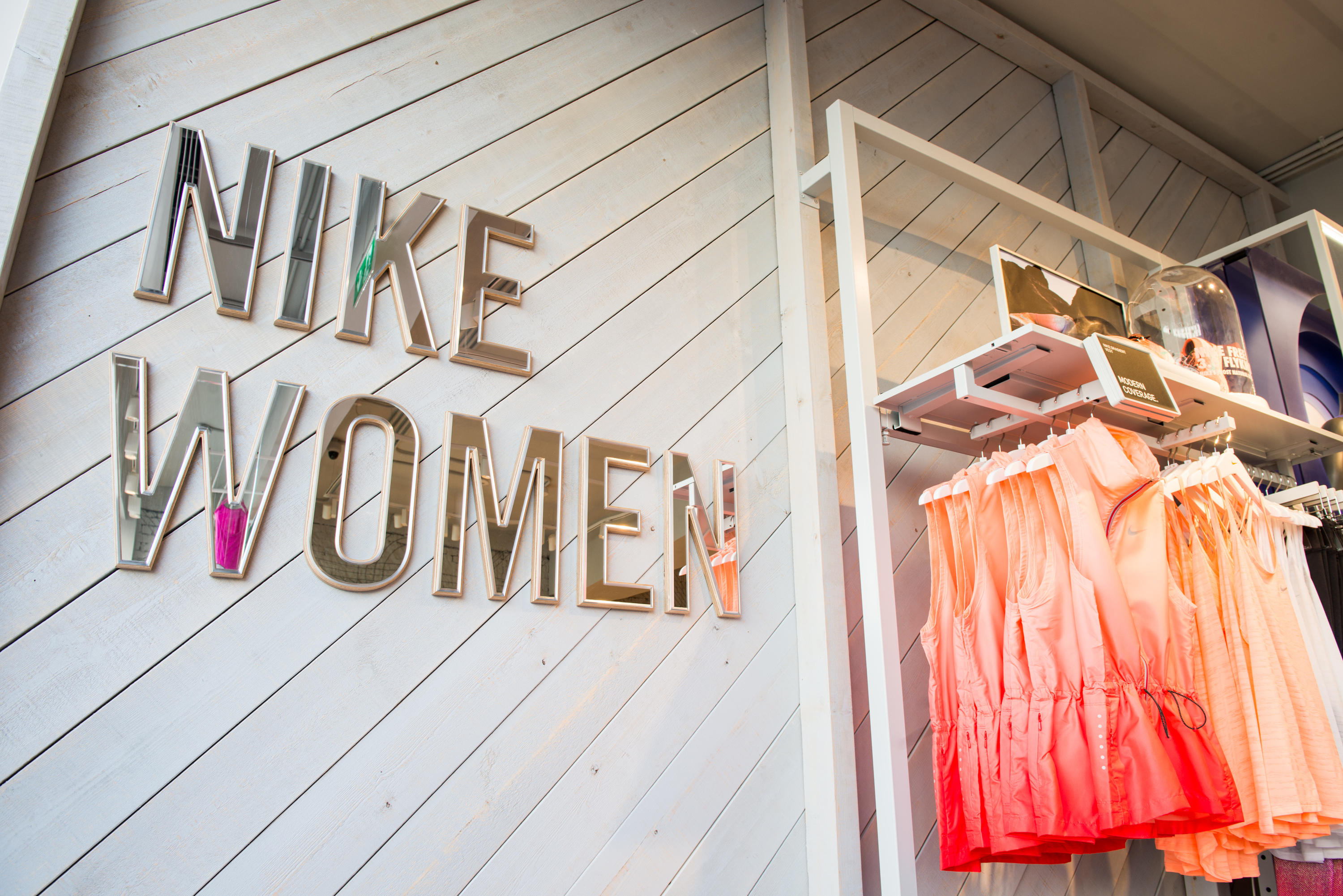 NikeWomen Kings Road