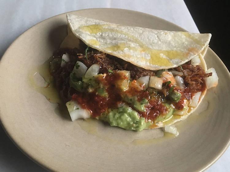 Taco de carnitas at La Brasa