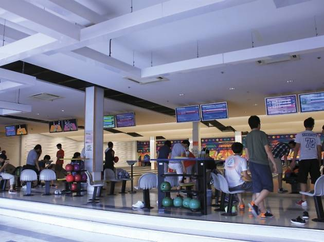 Pool and bowl: Belair Bowling Centre