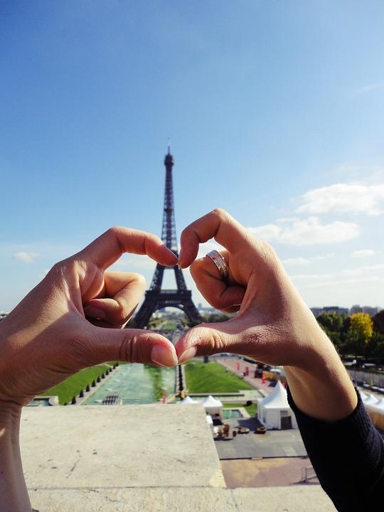 9 magical Paris date ideas to impress