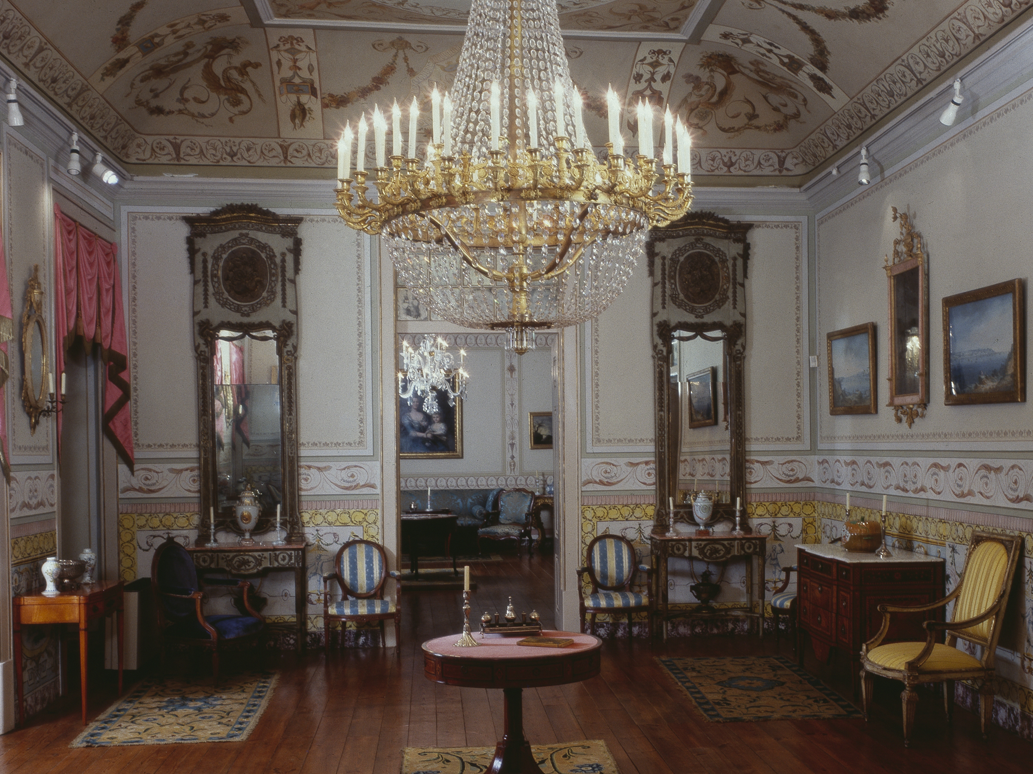 sala d maria do museu de artes decorativas