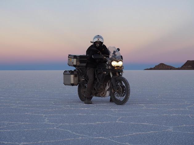 Una moto, molts quilòmetres i un objectiu: lluitar contra el càncer