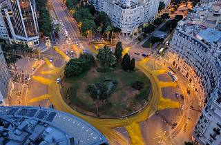La Plaça Francesc Macià, convertida en un sol gegantí