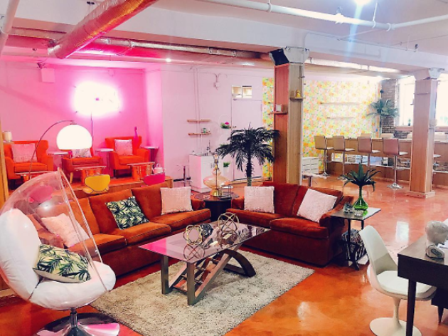 This new, vintage-selling nail salon in Bushwick is a '70s dream