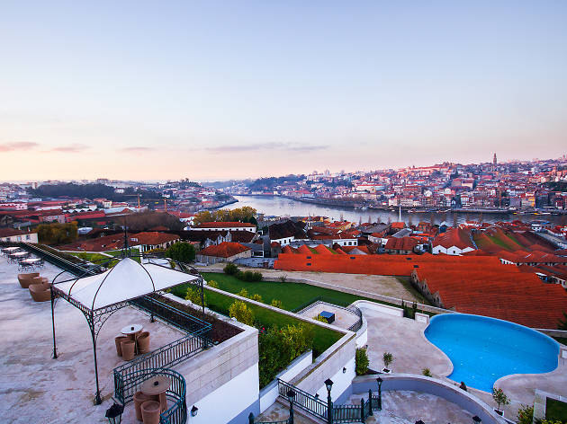 Hotels with a river view in Porto