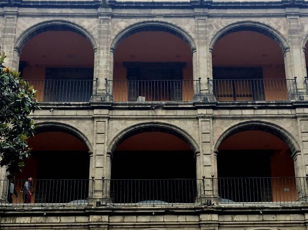 Di/Verso: Encuentro de poemas en la Ciudad de México