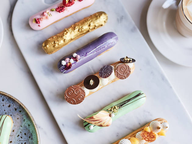 Éclairs with Flair