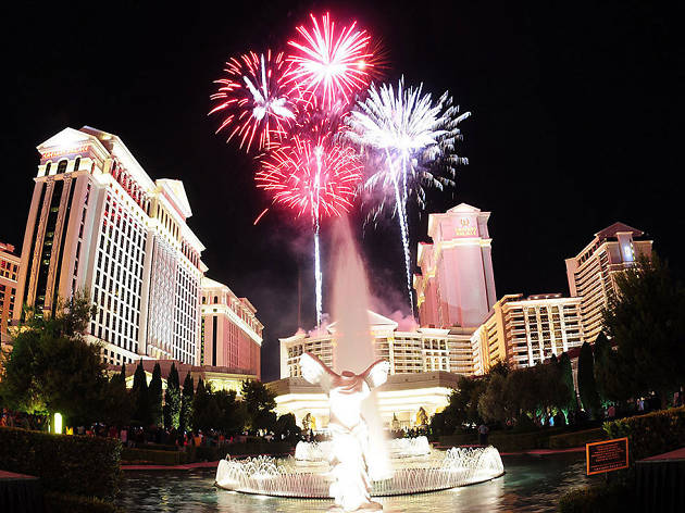 Fireworks At Caesars Palace Things To Do In Las Vegas