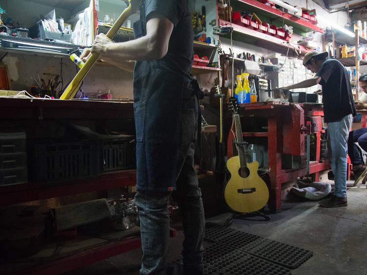 E.A.R. Guitars