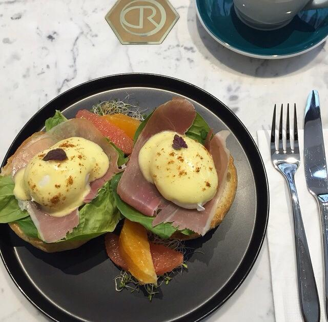the cupping room eggs benedict