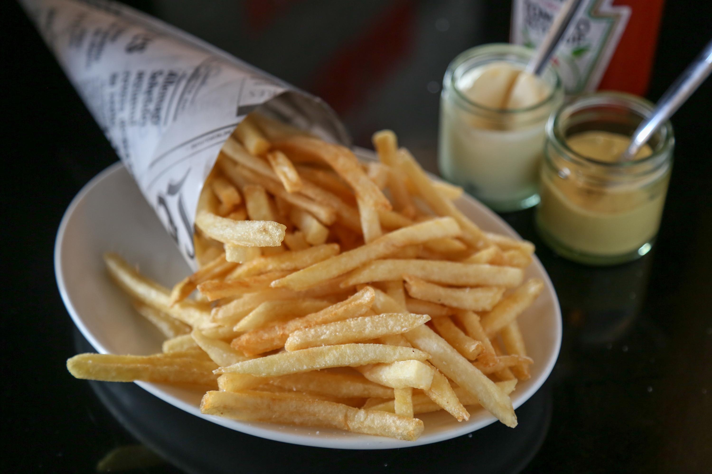 """French Fries @ Brasserie : """"Drunk munch"""" or """"hangover healer""""?"""