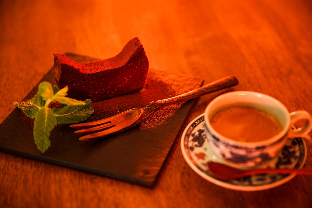 ウウト・カフェ