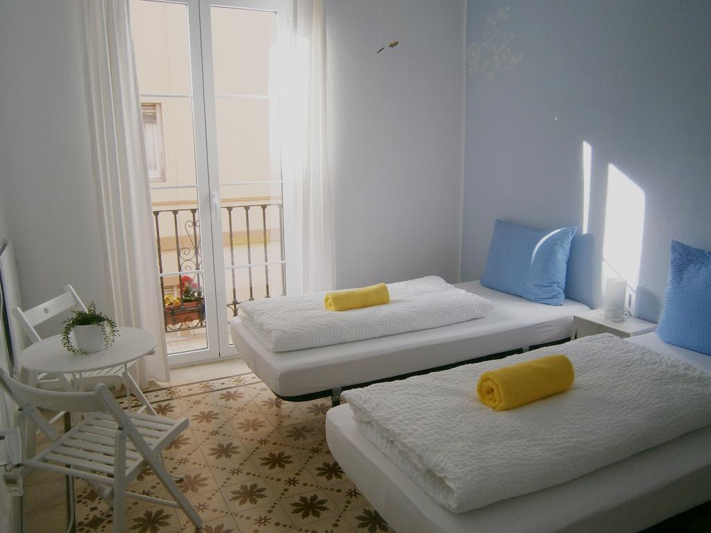 Cheap hotels Malaga: Casa Al Sur Terraza Hostel