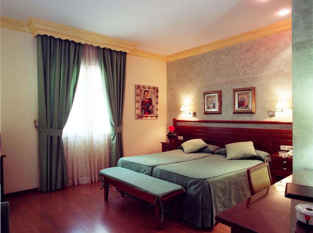 Cheap hotels Malaga: Hotel California