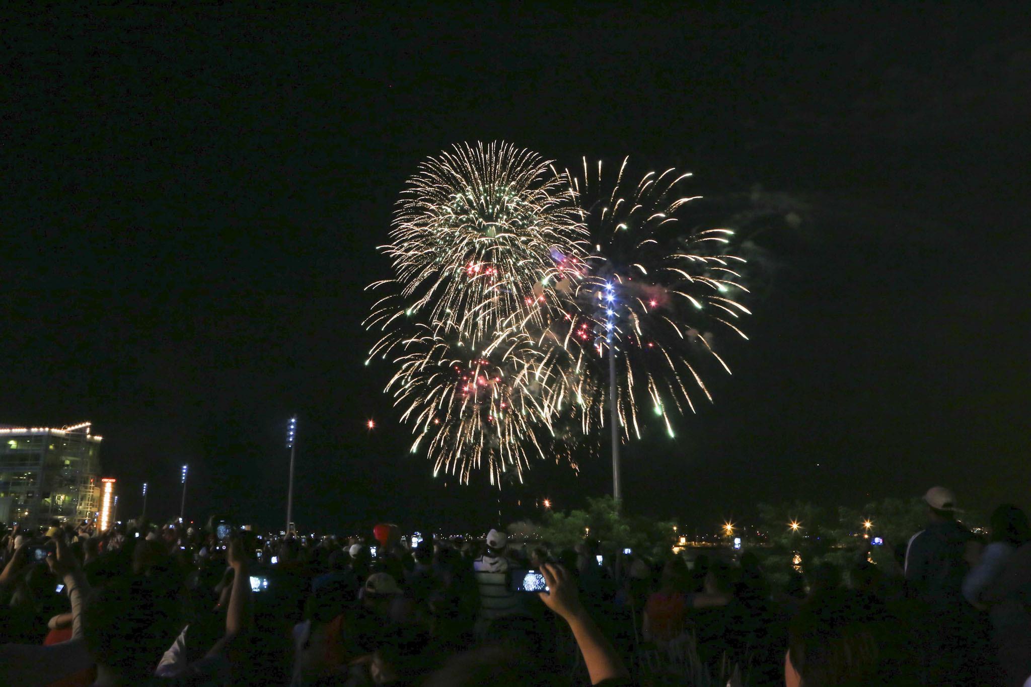 Mercury 3D Fireworks Cruise