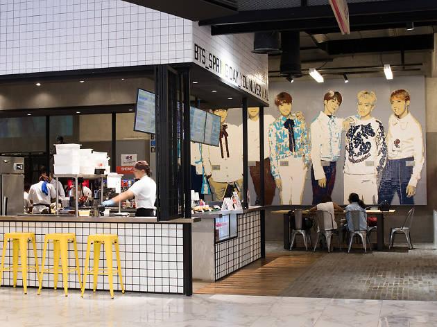 BTS Brick Live Cafe 06