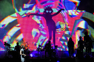 Gorillaz kicked off its U.S. tour in Chicago with a house music dance party