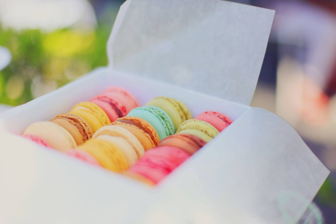 Learn to make macaroons from the best