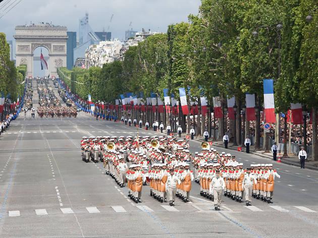 14 juillet défilé paris arc de triomphe