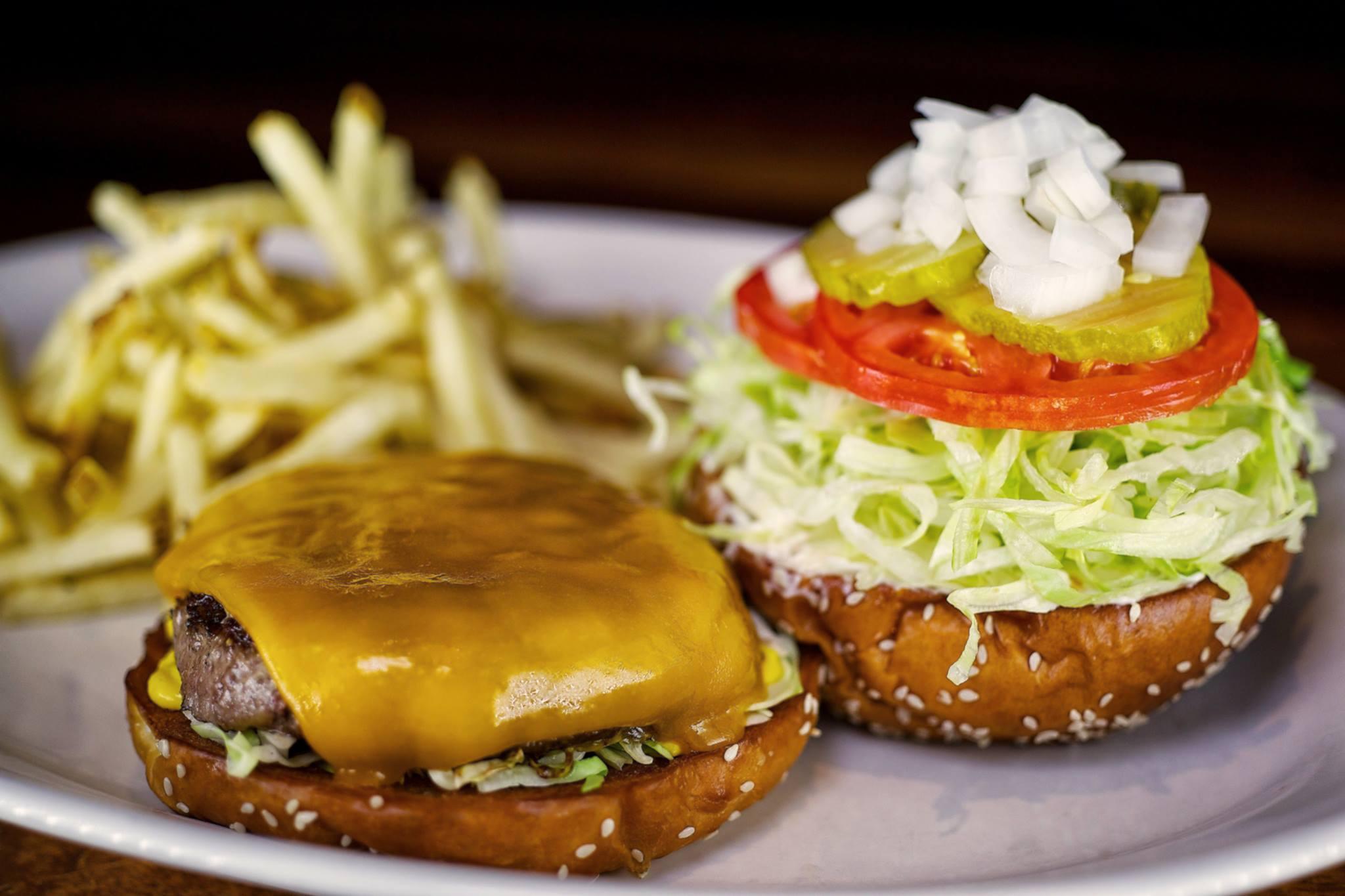 Cheeseburger at Houston's
