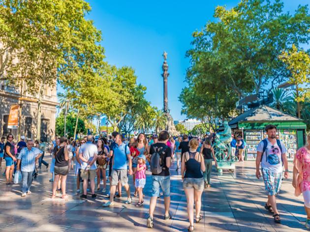 Aprovat l'impost per als turistes que no pernoctin a Barcelona