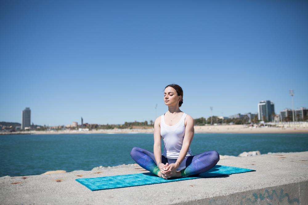 Yoga al aire libre en Barcelona
