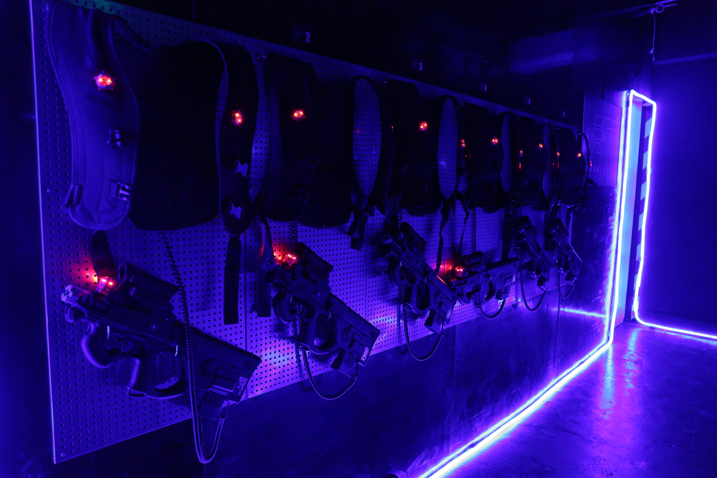 Where To Play Laser Tag Paintball And War Games In Hong Kong Outdoor Electric Outlets Group Picture Image By Resa
