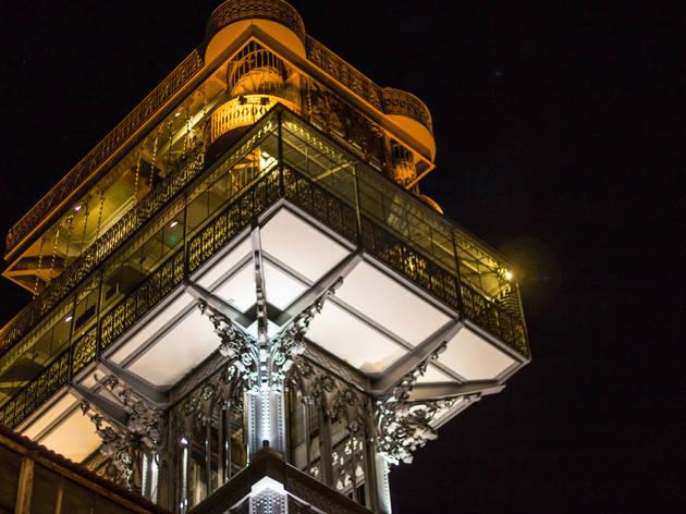 elevador de santa justa à noite