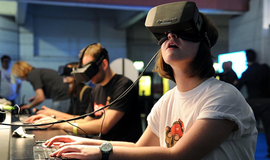 멋진 신세계, VR게임 체험하기