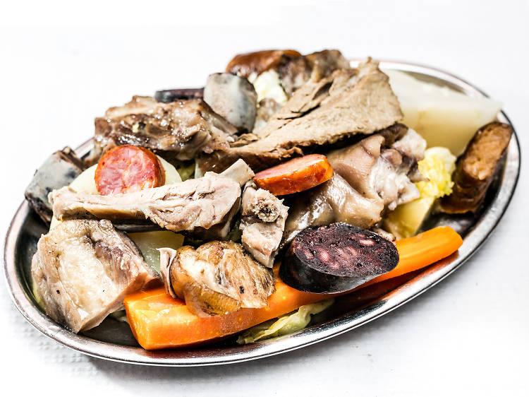 Um cozido à portuguesa por dia, o bem que lhe fazia