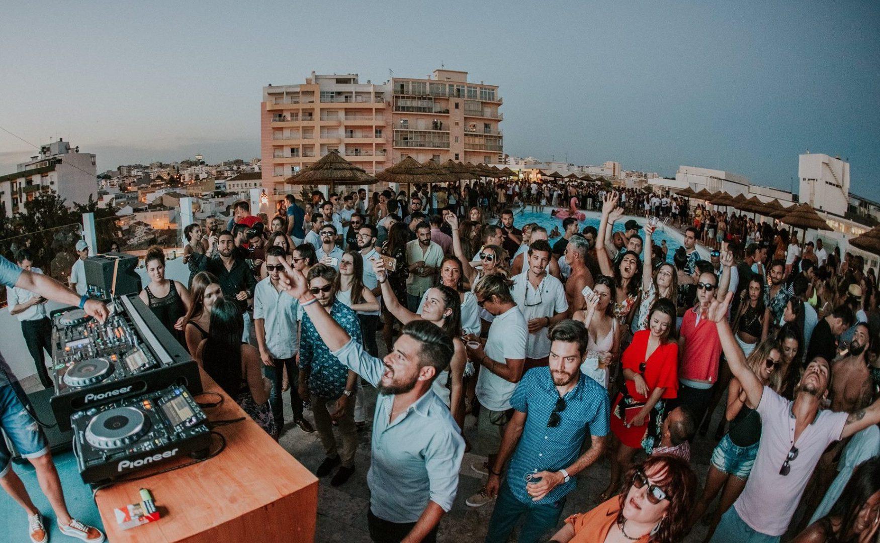 Os melhores bares de Verão no Algarve