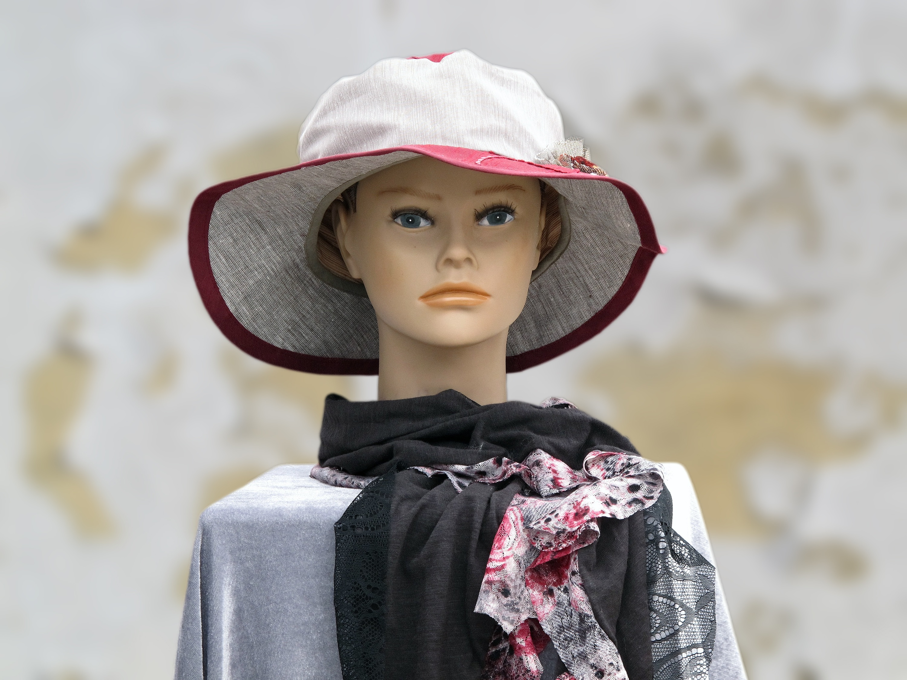 Generic mannequin with hat