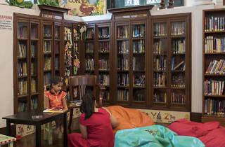 Neilson Hays Library