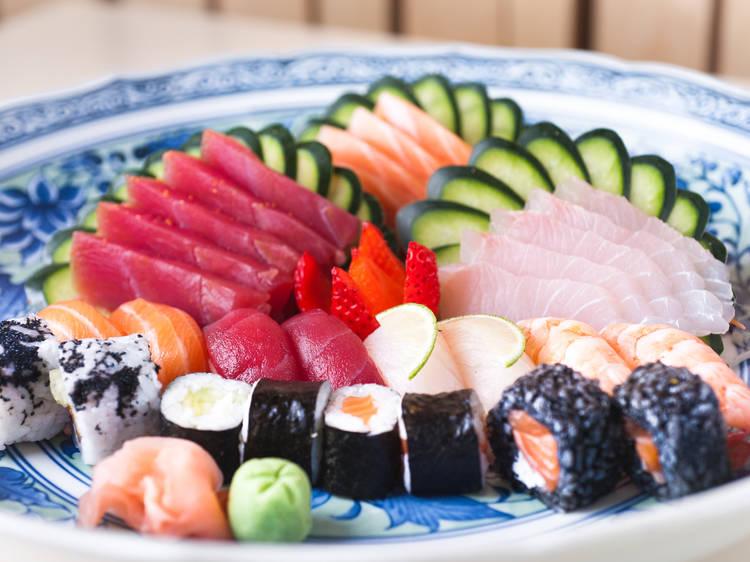 Esta é a história do buffet de sushi em Portugal