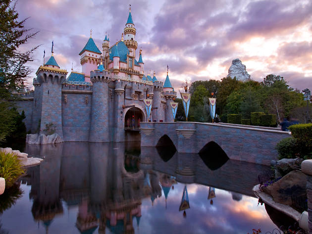 Behold: a totally empty Disneyland