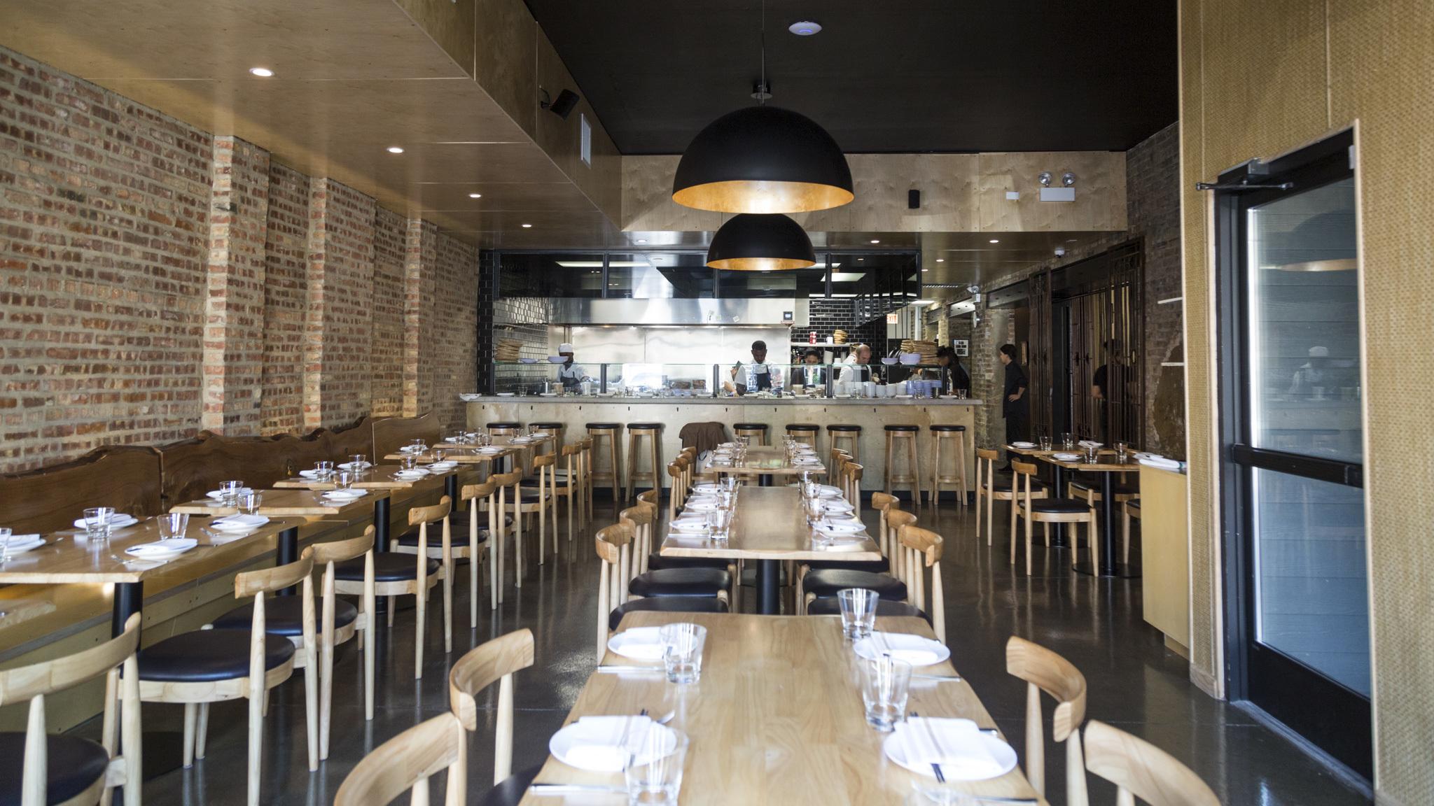 Restaurants react to Chicago's indoor dining ban