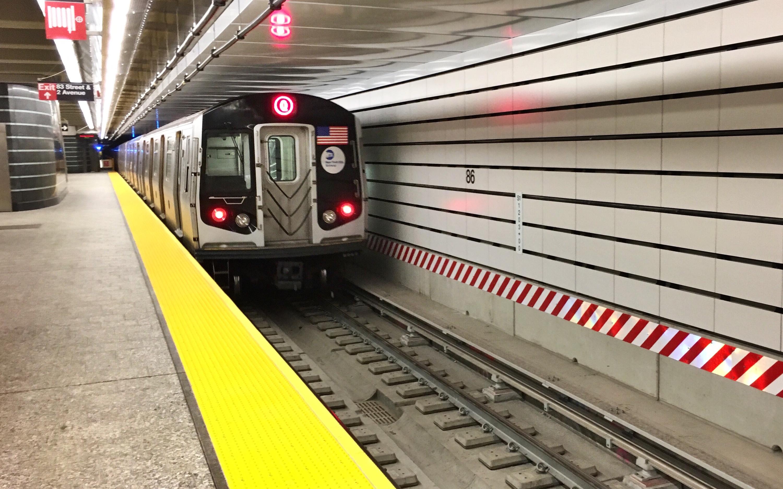A Q train derailed in Brooklyn this morning