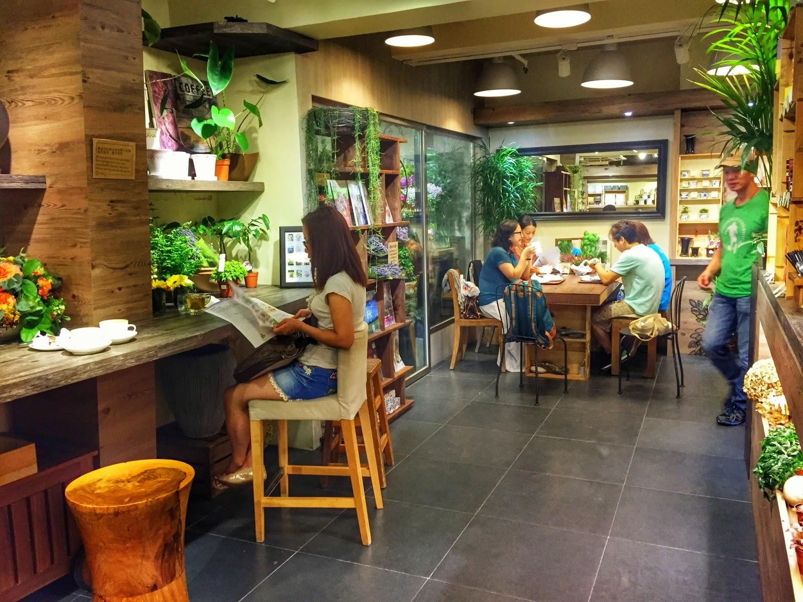 Cafe Hay Fever