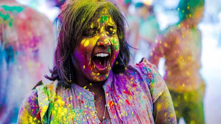 Festejamos el Multicolor Fest con Polvos holi