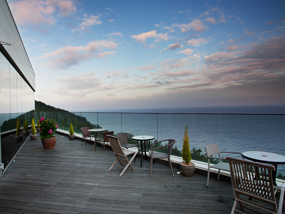 Merciel, a one-of-a-kind dining experience at where the sea meets the sky