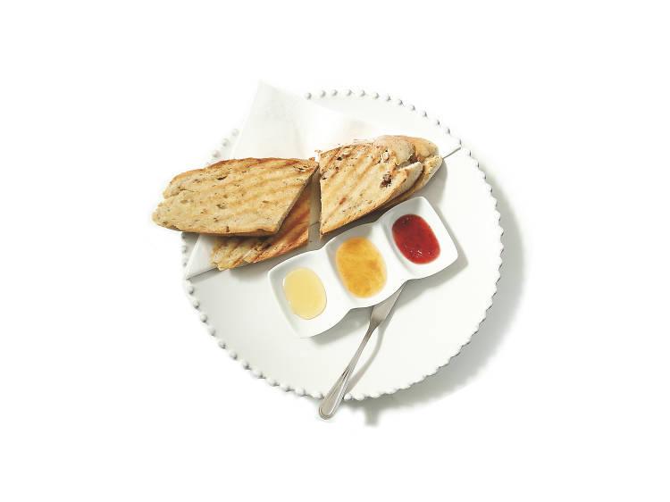 09.00 - Experimente as torradas do Amarelo Torrada