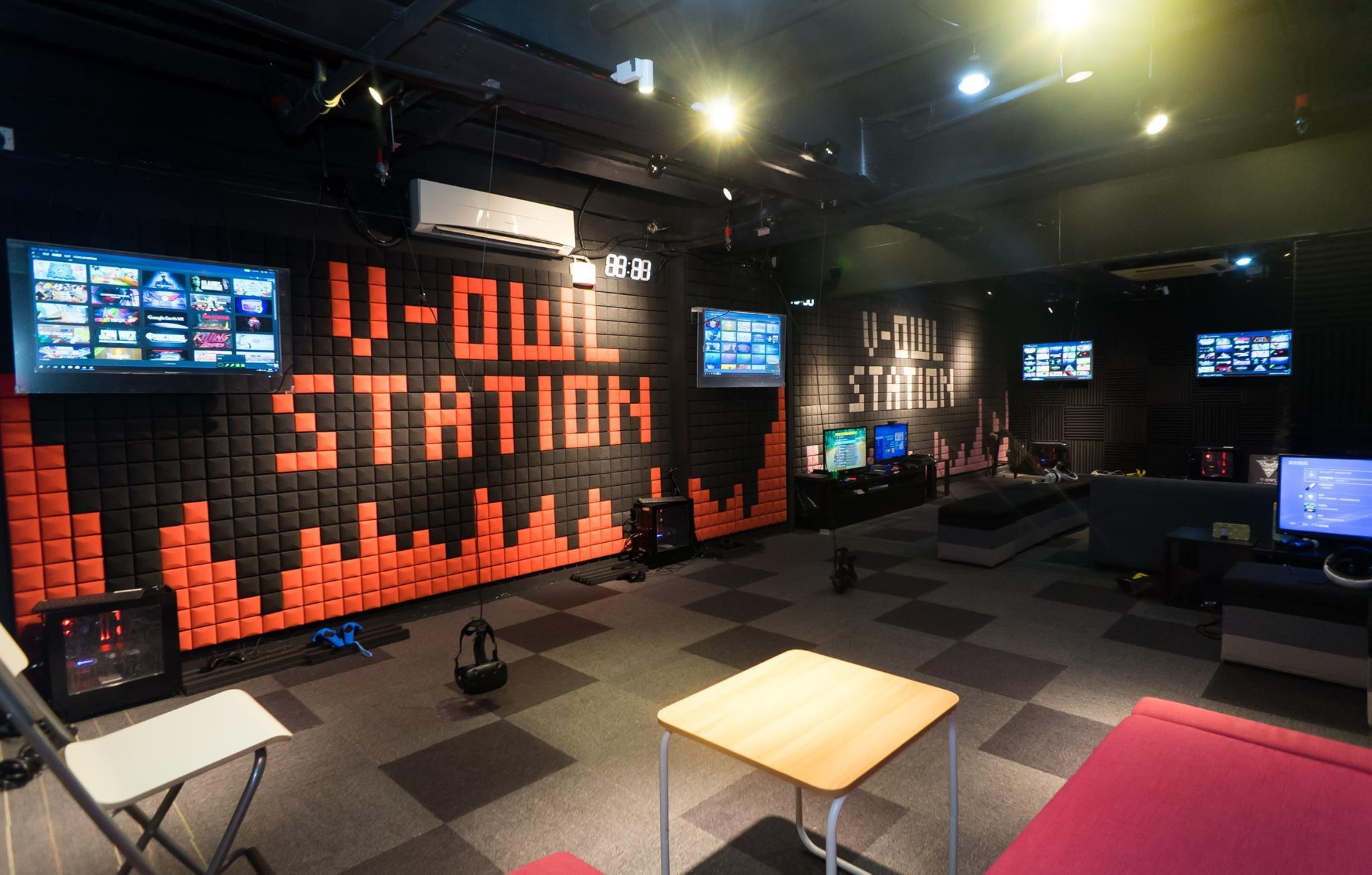 V-Owl Station VR Party