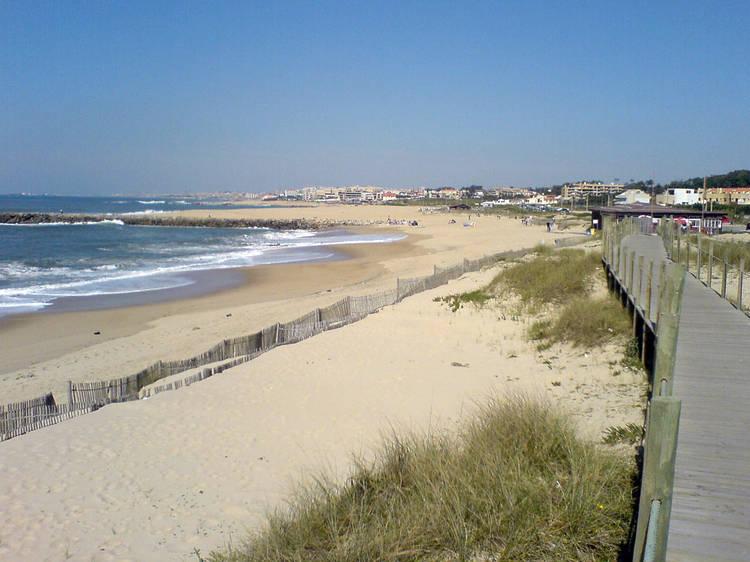Canide Sul Beach, Vila Nova de Gaia (8km)