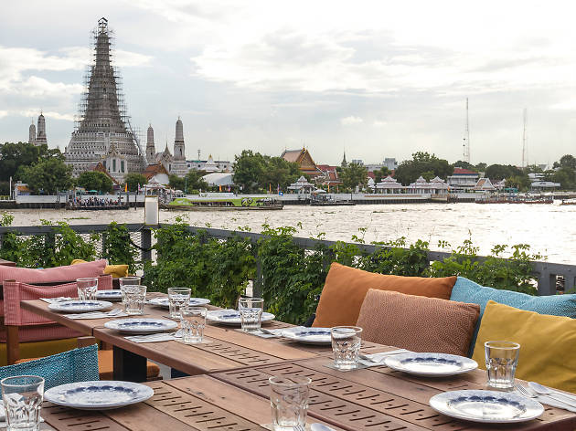 Restaurants and cafés near Sanam Luang