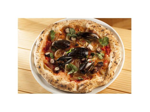 Pizza Maestrale_Tomate, Cebola Caramelizada, Polvo e Mexilhão