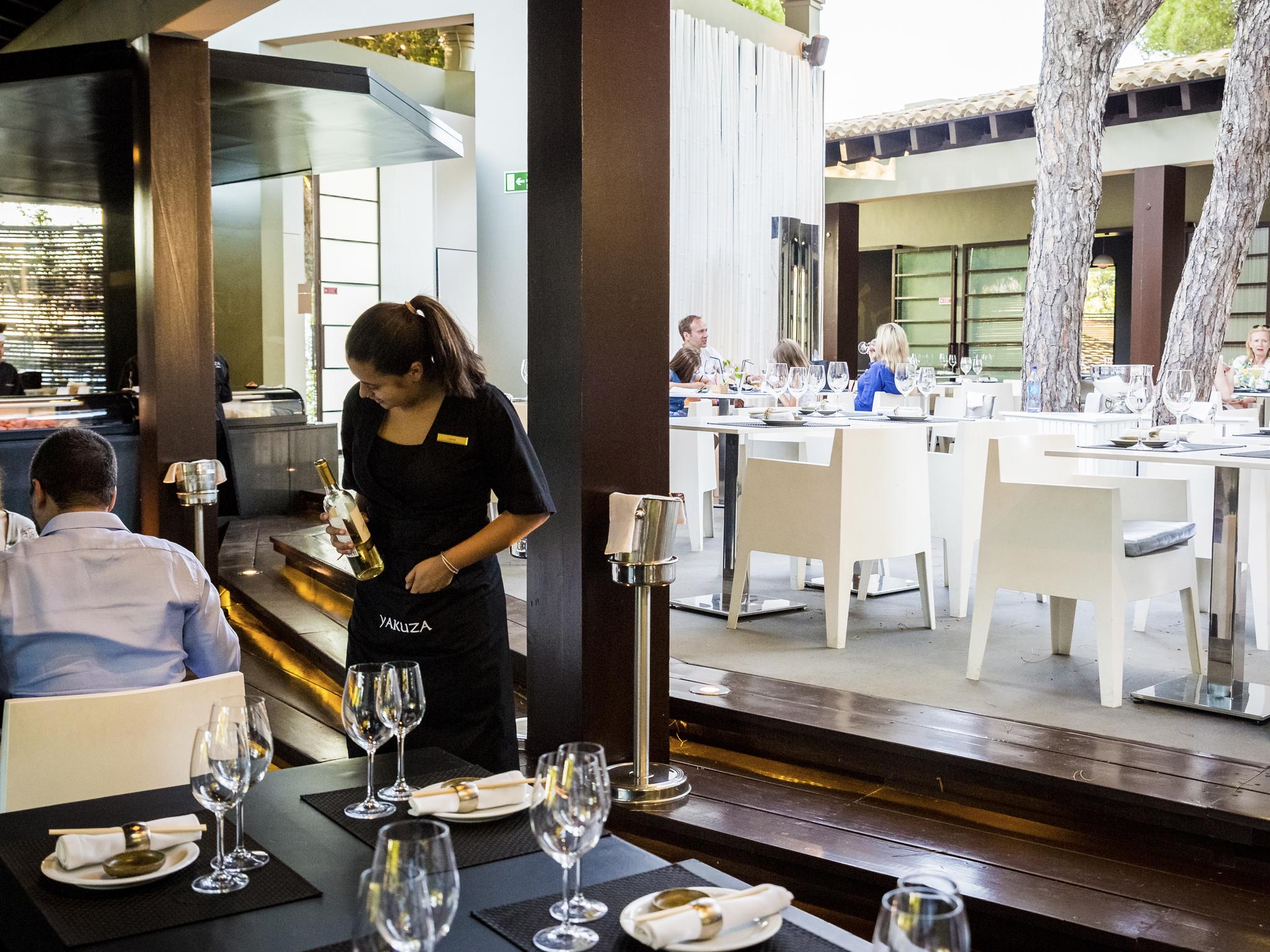 Faça check-in nestes restaurantes de hotel no Algarve