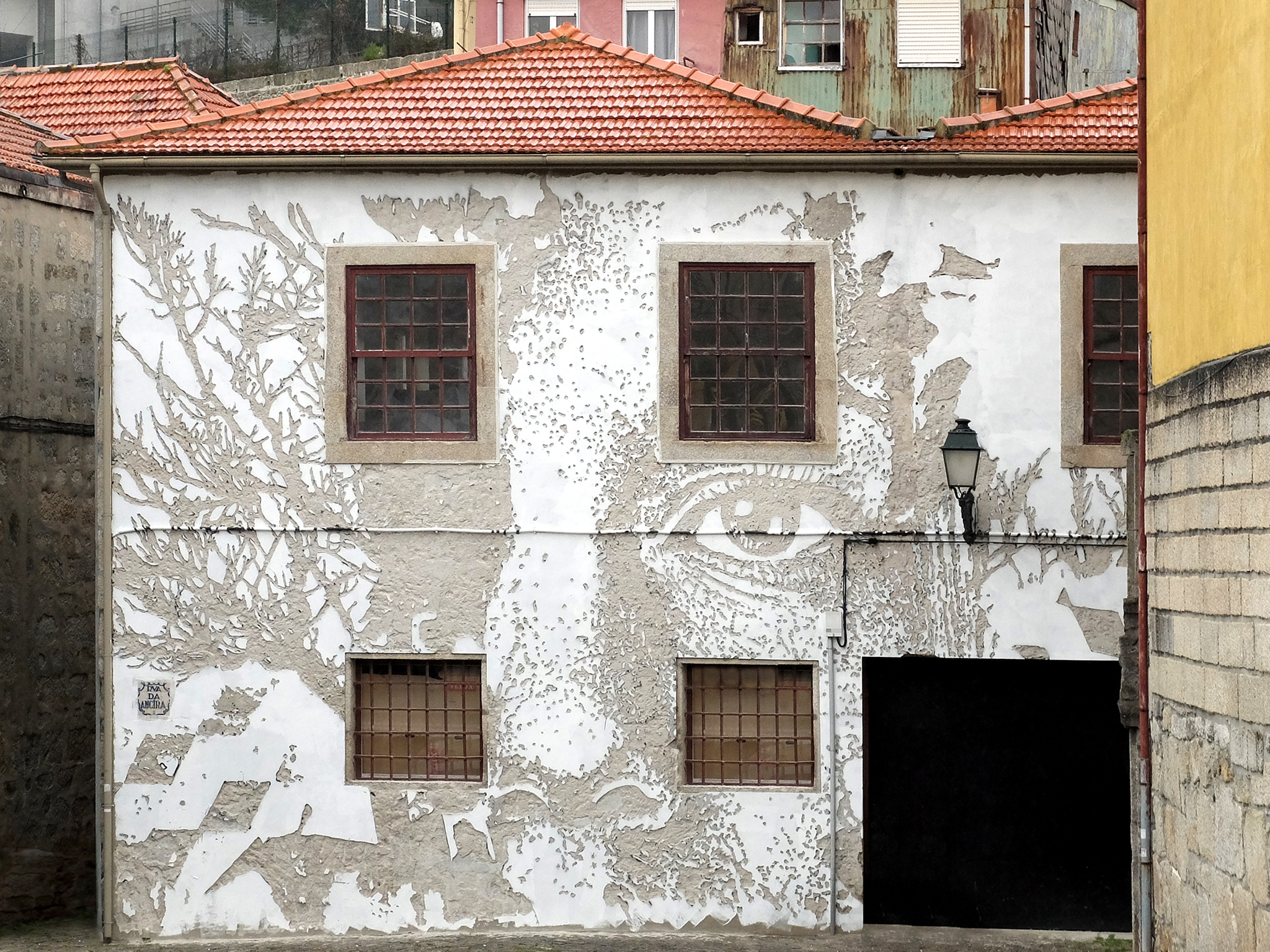 Vhils - Look at Porto