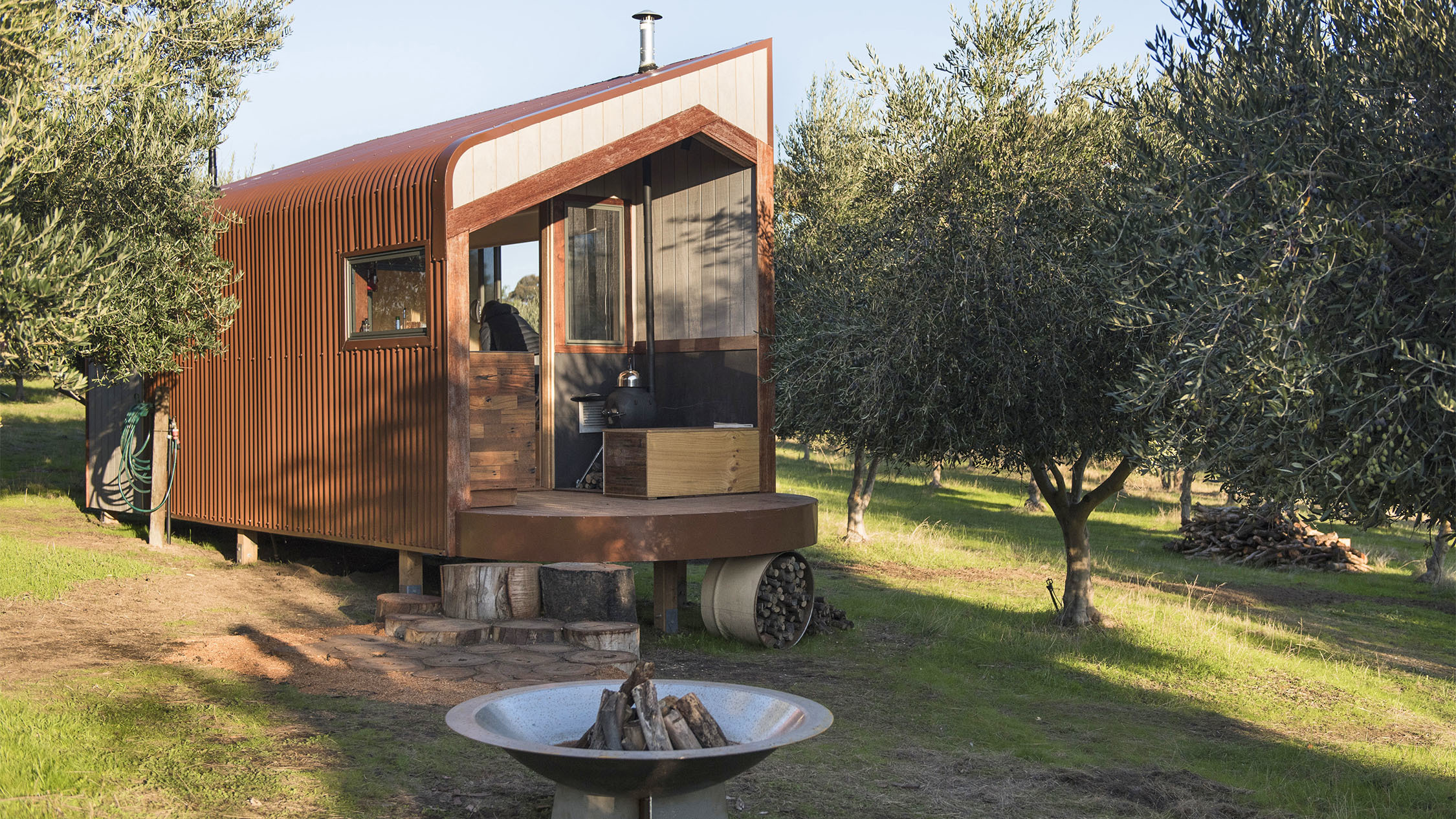 Shacky tiny house in Melbourne close up