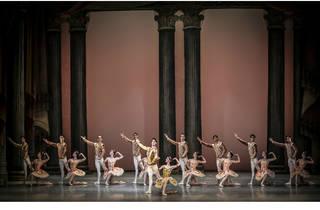 (Foto: Carlos Quezada, Ballet Raymonda imagen autorizada por la Compañía Nacional de Danza)