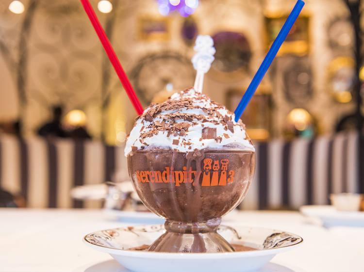 NYで愛され続けるデザートカフェ、セレンディピティスリーが日本初上陸